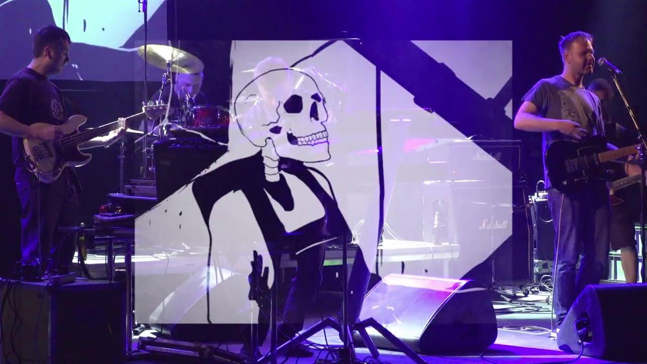 """Paprika Korps solta novo aperitivo de álbum ao vivo em Tampere, Finlândia; """"She"""""""