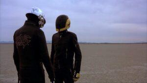 """Daft Punk pendura as chuteiras e solta vídeo """"explosivo"""" de despedida"""