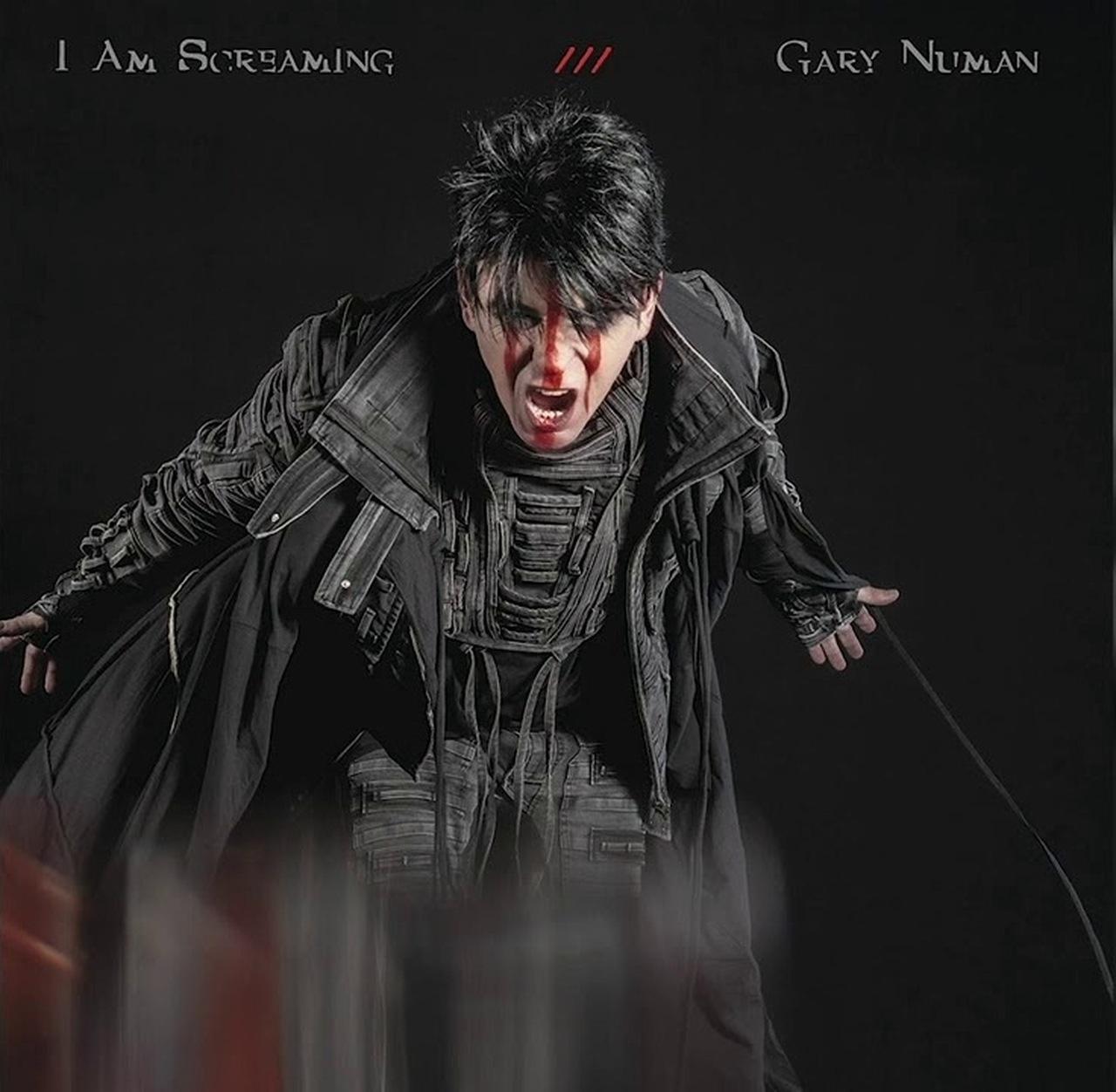 """Gary Numan libera mais um single de aguardado álbum, ouça """"I Am Screaming"""""""