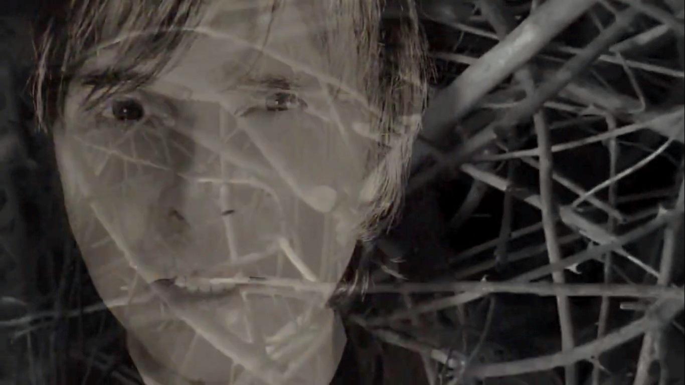 """Paul 'Bee' Hampshire e Baz Jepson trazem The Pack para novo single do Into A Circle """"Bright Death"""""""