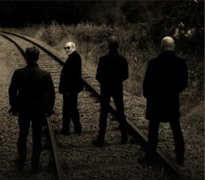 "The Stranglers retorna com o novo single e videoclipe ""If Something's Gonna Kill Me (It Might As Well Be Love)"""
